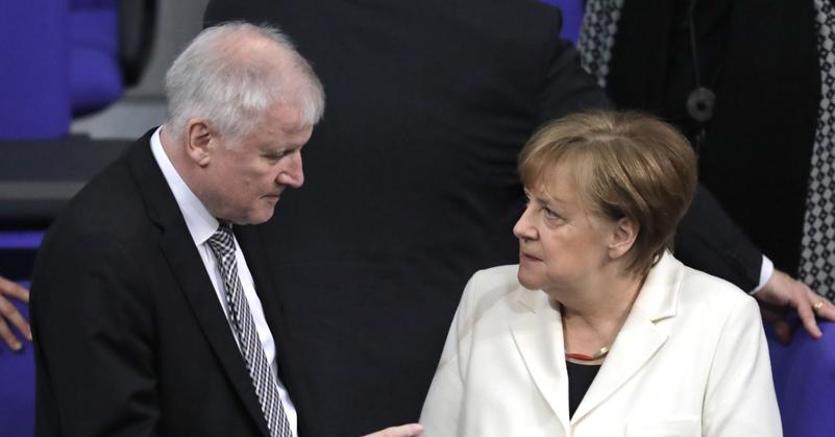 Merkel: collaboreremo con l'Italia sui migranti e sulla disoccupazione giovanile
